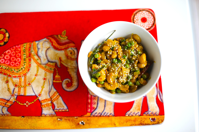Cashew Nut (Cadju) Curry   akkis kitchen